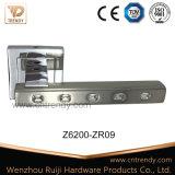 정연한 장식판 (Z6200-ZR09)에 Diamante 아연 합금 문 레버 손잡이