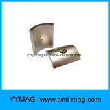 Сильным магнит дуги неодимия изогнутый этапом с зенкованным отверстием