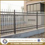 高品質の錬鉄の庭の金属の囲うか、または電流を通された錬鉄の塀のパネル