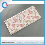 Panneau de PVC de configuration de fleur avec l'estampage chaud pour le plafond et le mur