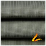 75D 270t de agua y ropa deportiva al aire libre Wind-Resistant Down Jacket tejido Jacquard Plaid 100% poliéster filamento hilo negro de tela (FJ012H)