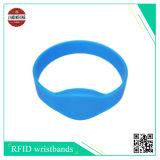 Il Wristband del silicone di RFID con figura differente gradice la figura rotonda mezza