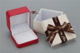 Colgante de cuero de PU y brazalete con caja exterior