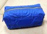Trucco Cases&Bags di bellezza di modo imbottito lettere di nylon delle donne