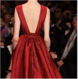 O partido personalizado do baile de finalistas veste o vinho que perla o vestido de noite Es01
