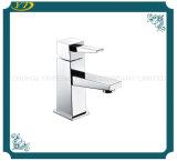 Palanca montada en una sola plataforma de baño de Cuerpo de latón toca