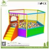 Parque de Diversões norma da UE grandes equipamentos de playground coberto para venda