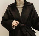 Desgaste puro de lana del color de la capa de calidad superior del invierno