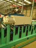 Feuille de tôle ondulée formant la machine