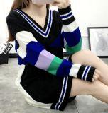Ослабление большой цветной полосой большой V-образный вырез горловины трикотажные длинный свитер (BTQ230)