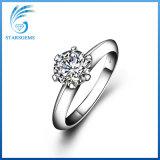 Anello classico dell'argento del diamante di Solitare Moissanite dei poli semplici di stile sei