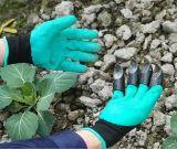 Gants de jardin avec des bouts du doigt protégés avec des griffes pour la plantation de creusement