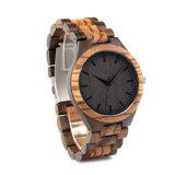 El cuarzo de madera del reloj de lujo de los hombres mira el reloj de madera