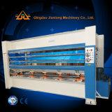 Madeira quente da máquina da imprensa que trabalha para a madeira compensada