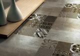 フォーシャンの熱い販売の特別なデザインによって艶をかけられる磨かれたタイル
