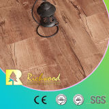 8.3mm HDFのビニールの板の寄木細工の床のV溝がある寄木細工の床によって薄板にされる積層の木製のフロアーリング
