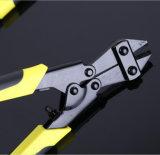 La mano del NOVA lavora la pinza di taglio del collegare con l'acciaio ad alto tenore di carbonio