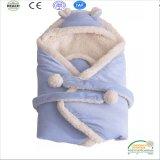 2017調節可能なベルトが付いている極度の厚いSherpaの羊毛の赤ん坊毛布