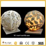 LEDの軽い美化のための手によって切り分けられる球の砂岩