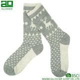 Rotwild-Muster-Schnee-Weihnachtsmann-Socken
