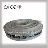 Forro de PVC com mangueira de descarga de água