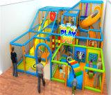 Equipamento interno do jogo dos miúdos para o parque de diversões