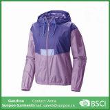 Куртка Windbreaker женщин облегченная короткая