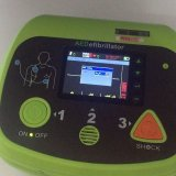 LichtgewichtAED van Meditech Defi6 met de Batterij van de Autoverificatie