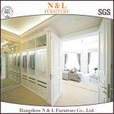 Moderner weißer hölzerner Furnierholz-Schlafzimmer-Schrank-Wandschrank