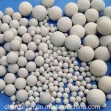 Alumina Ceramische die Ballen als Carrier van de Steun van de Katalysator voor het Behoud van de Hitte wordt gebruikt
