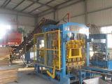 Blocco in calcestruzzo, mattone del lastricatore & macchina automatici del paracarro, blocchetto del cemento che fa macchina