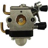 O profissional de Honda Gx35 parte o carburador