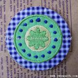 衣服の装飾のアクセサリのためのカスタム方法花の刺繍パッチ