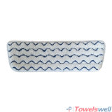Microfiberの平らなモップのパッドをごしごし洗う波