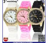 Relojes ocasionales de la marca de fábrica de la alineada de la mujer del reloj del deporte de la jalea de las señoras del reloj del cuarzo del silicón de Ginebra de la manera Yxl-904 2016