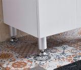 カシの浴室の虚栄心の鋳造物が付いている小さいスペース浴室