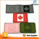 캐나다 자신의 디자인에 의하여 주문을 받아서 만들어진 깃발에게 연약한 PVC를 훅 & 루프 역행을%s 가진 고무 패치 만드십시오