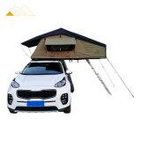 im Freienauto-Wohnmobil-kampierendes Dach-Spitzenzelt der Abenteuer-4X4