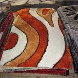 ポリエステルセットされるシャギーなシュニールのカーペットおよび敷物