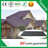 La pierre de matériau de construction d'isolation thermique a enduit le type en acier de secousse de tuile de toit