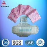 Serviettes en coton d'hygiène féminine des plaquettes Produits hygiéniques
