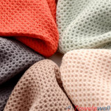赤い極度の吸収性綿の蜜蜂の巣タオル