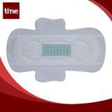 Rilievi sanitari femminili di cura personale dell'igiene con lo strato verde