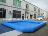 Gigante un raggruppamento di acqua gonfiabile di strato
