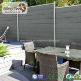 新しいデザイン金属フレームワークが付いている木製のプラスチック庭の塀