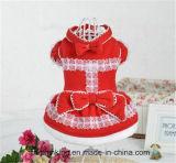 Belle robe de Santa pour des animaux familiers