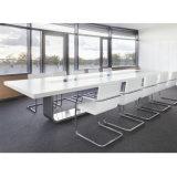 Escritório moderno mesa de reuniões para 12 10 lugares mesa de conferência com saída de energia elétrica para as pernas de metal