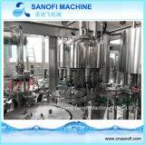 Macchina rotativa automatica piena di imbottigliamento di acqua della bottiglia dell'animale domestico