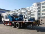 유압 트럭에 의하여 거치되는 우물 드릴링 기계
