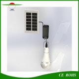 USBインターフェイスが付いている9Wの屋内か屋外のキャンプランプの太陽動力を与えられた球根ライト